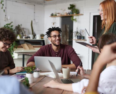 Entenda-a-importância-de-manter-os-funcionários-motivados-para-o-ambiente-organizacional